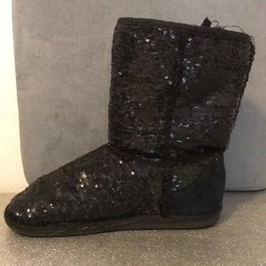 Sequin ankle boots with fur inside